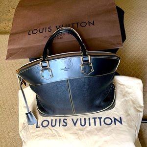 Stunning LOUIS VUITTON SUHALI handbag